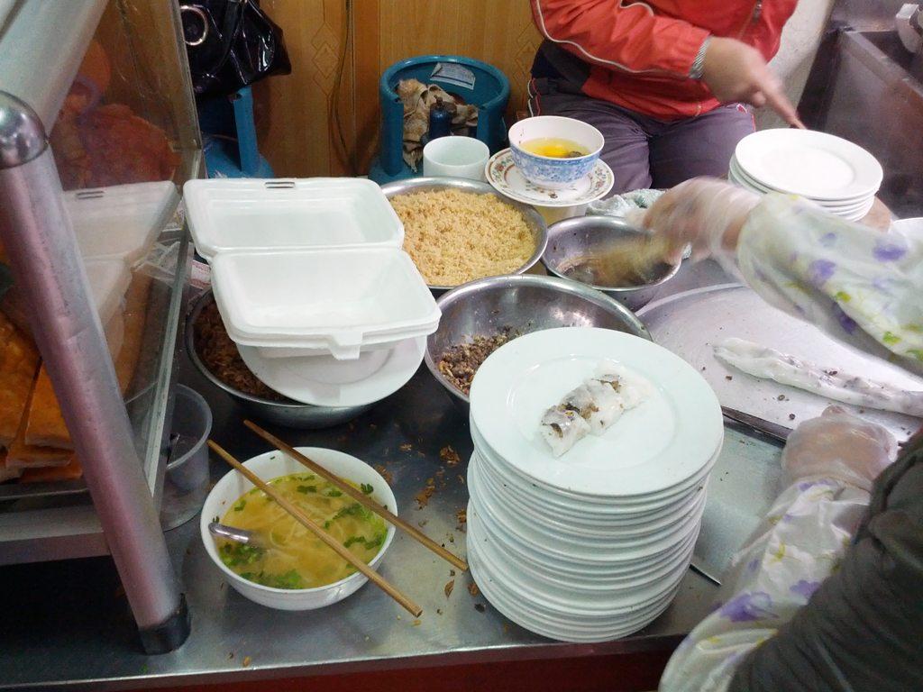 Preparation of Banh Cuon