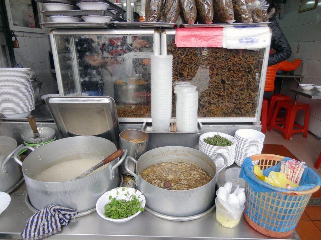 Preparation of Mien Luon (Eel)