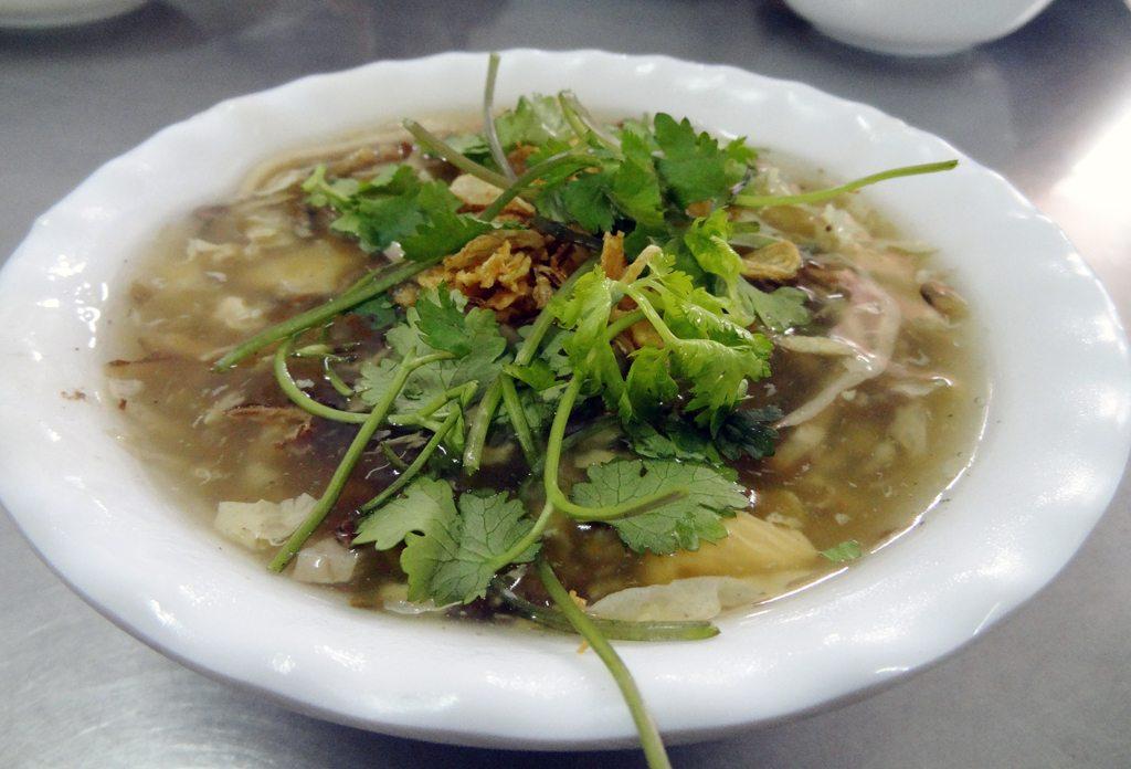 Sup Luon (Eel Soup)